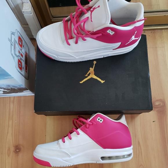 Women's Jordan Flights